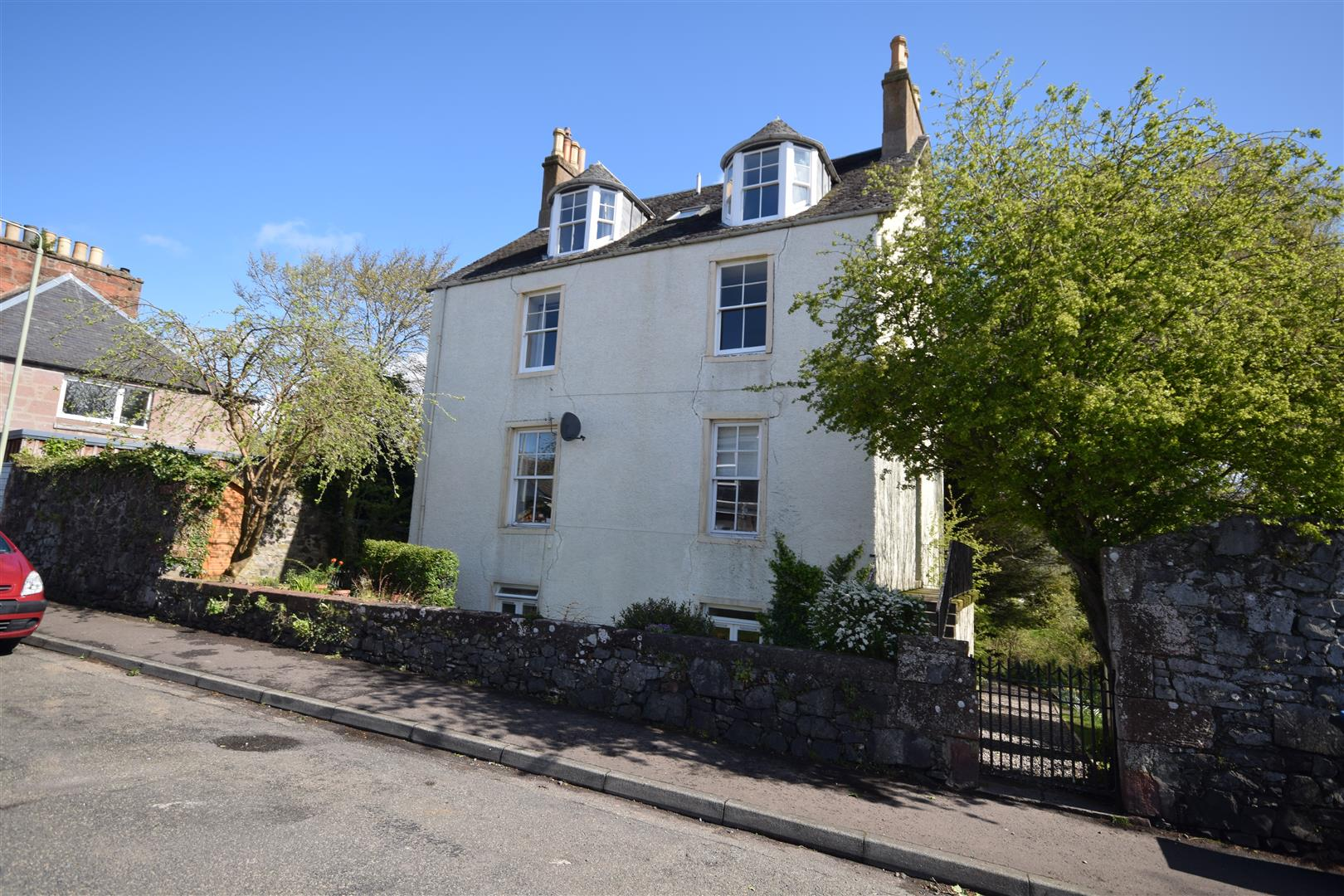 Ground Floor Flat, Gilloch Hall, Back Street, Bridge of Earn, Perthshire, PH2 9AB, UK